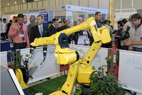 This year Solver extended its exposition regarding robotic technology with a welding unit.
